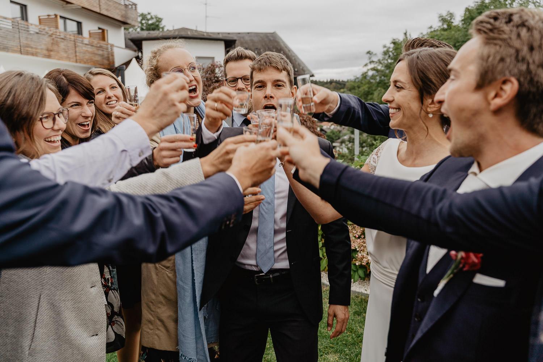 Hochzeitsfotograf Mutters Gartenhochzeit 29